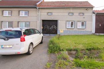 Venkovský dům 2+1 se zahradou a stodolou - Vincencov