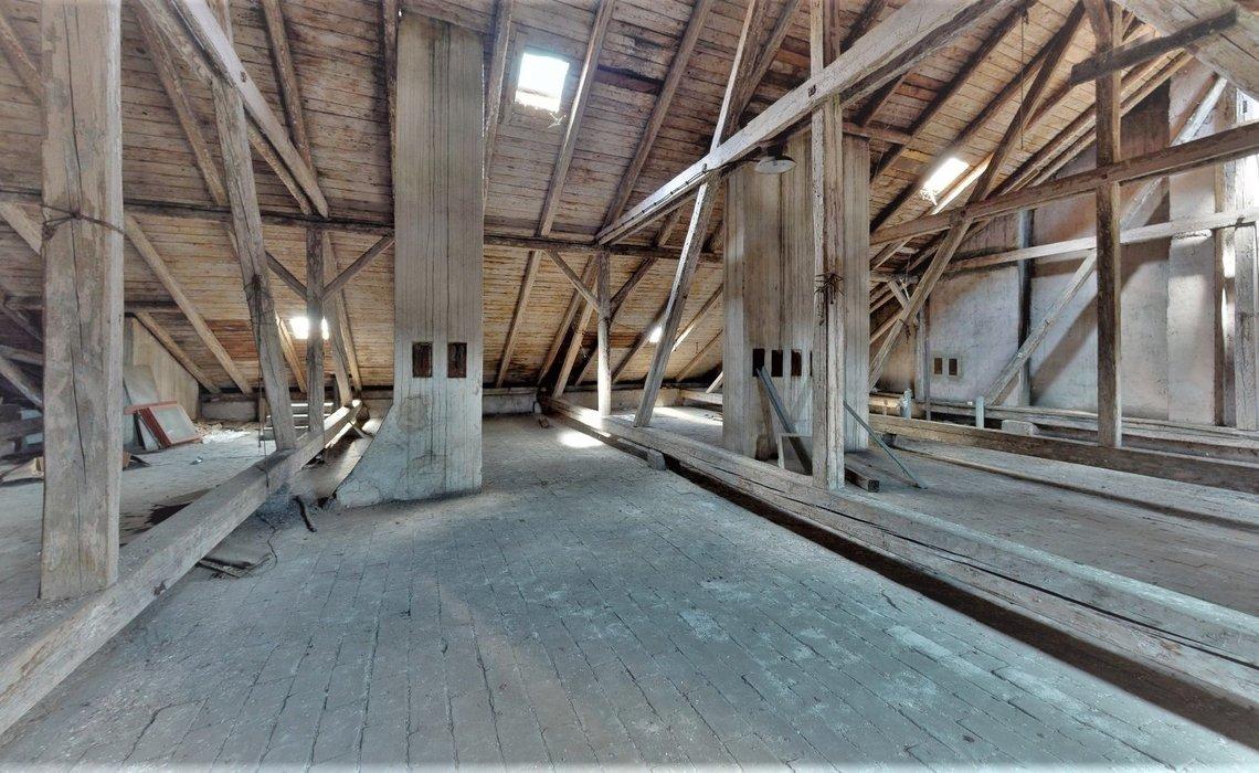 Uherske-Hradiste-nam-Miru-Garage