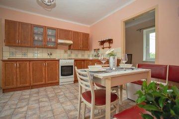 Prodej, rodinný dům 4+1, parcela 380 m2, zahrada 192 m2, okres Kroměříž, Sobělice