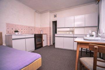 Prodej, rodinný dům 2+1, 214 m2, Staré Město, ulice Mojmírova