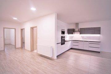 Pronájem, byt 3+kk, 89 m2, Uherské Hradiště, centrum