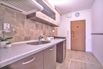 Prodej, byt 1+kk, 31 m2, Otrokovice, ulice Školní