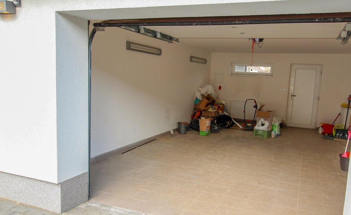 garáž