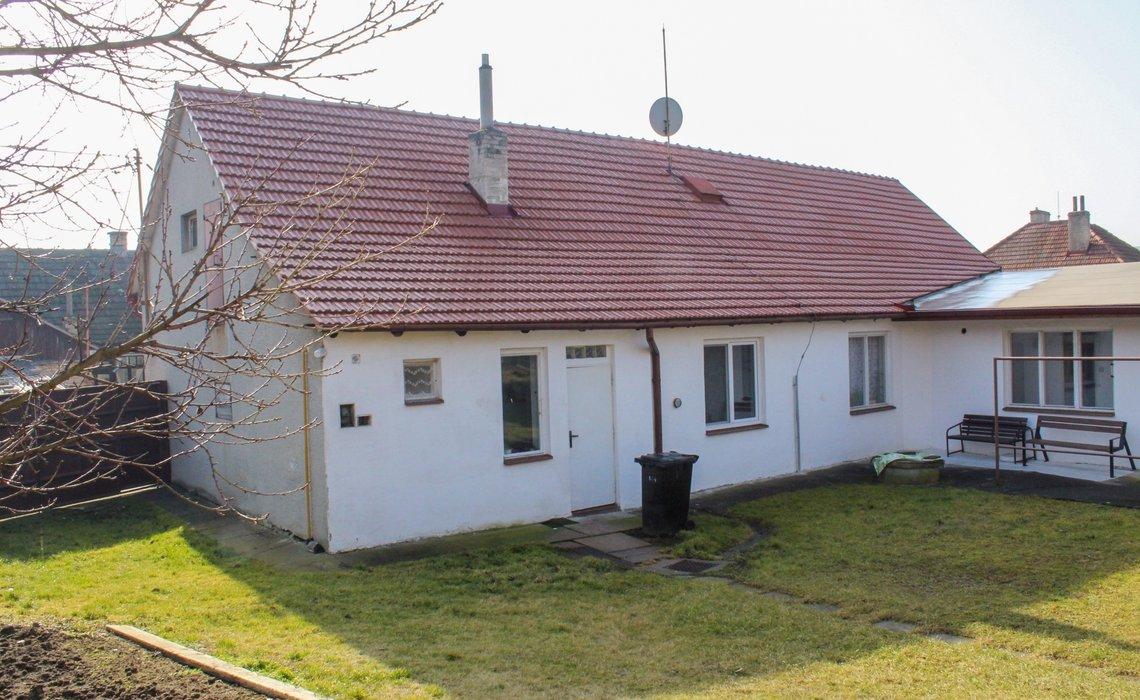 dům ze dvora III