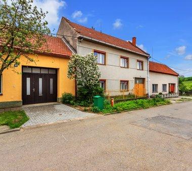 Prodej, rodinný dům 5+1, pozemek 602 m², Hluk