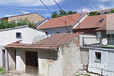 Prodej řadového jednopodlažního domku s dvorkem a přístavkem v klidné ulici  Vzhledná v Brně - Bosonohách, Ev.č.: 00373