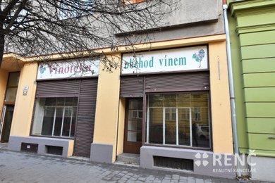 Pronájem obchodního prostoru s výlohou, 61 m2 + galerie 10 m2 – Královo Pole, ul. Staňkova, Ev.č.: 00593
