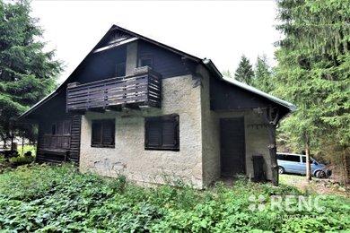 Prodej samostatně stojícího rekreačního domu – chaty v rekreační oblasti Tři Studně na pozemku o výměře 1.243 m2., Ev.č.: 00627