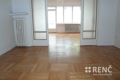 Pronájem prostorného bytu 2+1 v centru města, ul. Kotlářská, Ev.č.: 00629