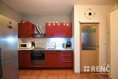 Prodej zděného bytu 2+kk, 51 m2, v OV, v Kanicích u Brna, s parkovacím stáním a balkonem, Ev.č.: 00743