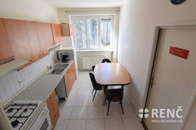 Prodej zděného bytu 2+1 v OV, Brno – Veveří v šestipodlažním bytovém domě na ulici Úvoz s výhledem do parku, Ev.č.: 00759