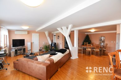 Přechod práva nájmu k mezonetovému bytu OB 5+kk o výměře 183 m2, ul. Merhautova, Brno – sever s předplaceným nájemným do roku 2025., Ev.č.: 00797