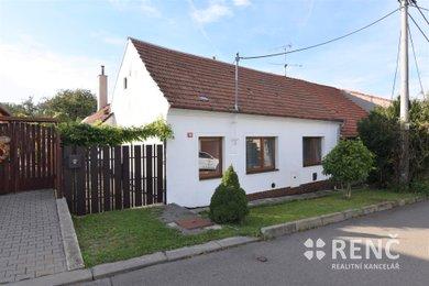 Prodej udržovaného jednopodlažního rodinného domu s velkou zahradou v Rousínově - Čechyni, Ev.č.: 00856