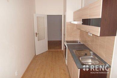 Pronájem prostorného bytu 2+1 se dvěma balkony v bezprostřední blízkosti centra Brna na ulici Pekařská, Ev.č.: 00894