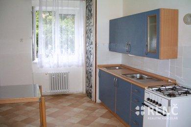 Pronájem prostorného bytu 1+1 s balkonem v bezprostřední blízkosti centra města, Ev.č.: 00194-1