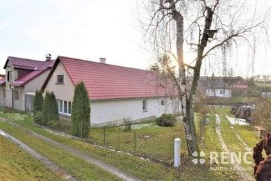 Prodej domu se zahradou, dvorem a stodolou v obci Těmice nedaleko Kamenice nad Lipou mezi Pelhřimovem a Jindřichovým Hradcem, Ev.č.: 00904