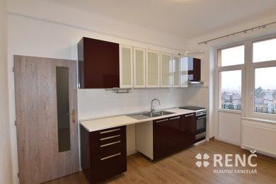 Pronájem zděného zrekonstruovaného bytu 3+1 Černá Pole, ul. Martinkova, Ev.č.: 00918