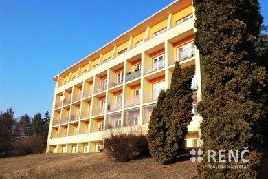 Zděný byt 1+1, v Brně – Masarykově čtvrti, na ul. Neumannova, se dvěma lodžiemi., Ev.č.: 00880-1