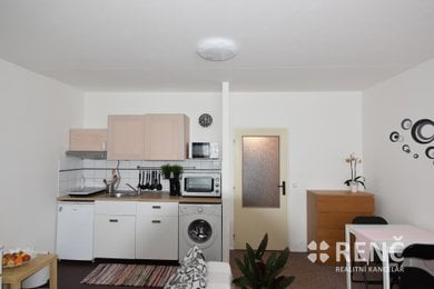 Pronájem bytu 1+kk Líšeň, Jírova, Ev.č.: 00776-1