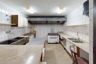 Podivin-Kitchen(3)