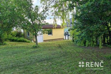 Prodej čtvercového stavebního pozemku v obci Kobylnice v ulici Za Vodárnou o velikosti 647 m2 pro výstavbu RD, Ev.č.: 00979