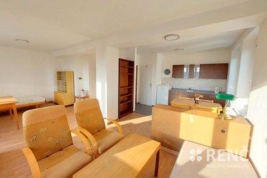 Pronájem bytu 1+kk s terasou ve zděném rodinném domě na ulici Lozíbky, Brno – Lesná, Ev.č.: 01028