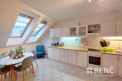Pronájem mezonetového bytu 2+kk o celkové ploše 55,2 m2 ve zrekonstruovaném bytovém domě na ulici Veselá v centru Brna, Ev.č.: 01030