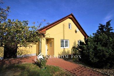 Prodej, Rodinné domy, 170m² - Hevlín, Ev.č.: 00121