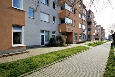 Pronájem, Obchodní prostory, 189m² - Znojmo, Ev.č.: 00178