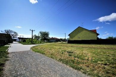 Prodej, Pozemky pro bydlení, 1286m² - Hrušovany u Brna, Ev.č.: 00187