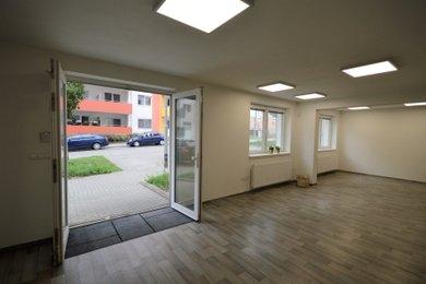 Pronájem, Kanceláře, 70m² + sklep, možnost garážového stání - Brno - Žebětín, Ev.č.: 00040