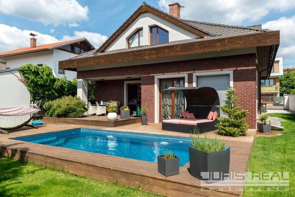 Prodej, Rodinné domy, 250m² -