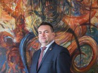 JUDr. Tomáš Mádl, ředitel Společné realitní a advokátní kanceláře JURIS REAL, spol. s r. o. poskytl v nedávné době řadu velmi zajímavých rozhovorů o investování, filatelii, realitách a developmentu.