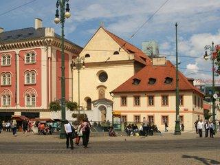 Reklamní spoty Prestige Philately Club Prague rozzářily na 30 významných místech Českou republiku.
