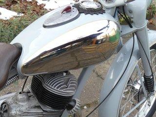 JURIS REAL Dražby, a. s. v aukci nabízí velmi vzácný motocykl značky Ogar.