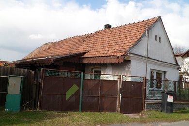 Prodej rodinného domu v Činěvsi, okr. Nymburk, celkový pozemek 157 m2, Ev.č.: 2019105D