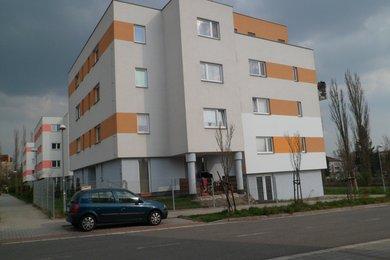 Prodej pěkného bytu 1+kk, 29 m2, 2. patro,  v Milovicích, okres Nymburk, Ev.č.: 00036