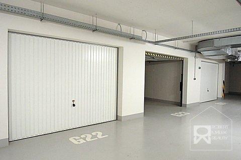 Podzemní uzamykatelná garáž