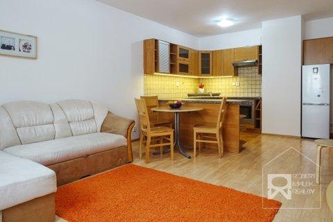 Obývací pokoj- pohled z ložnice