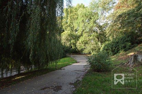 Park Na Jezerce 1