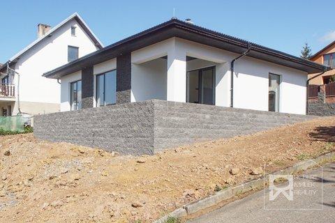 Pohled na dům 2