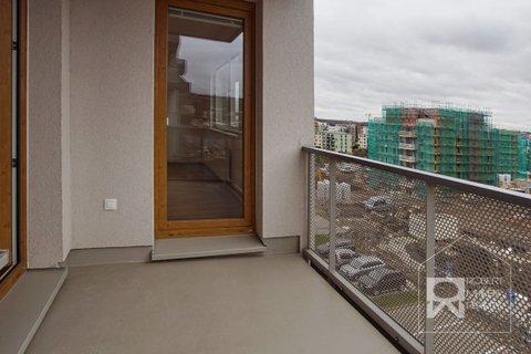 Balkon - vstup z ložnice a obývacího pokoje