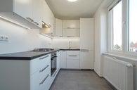 Pronájem bytu po kompletní rekonstrukci, 2+1, 56m², OV, Praha 6 - Břevnov, ul. Plojharova