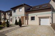 Prodej nadstandardně vybaveného domu 3+1+šatna/G/parkovací stání, OV, 142m² - Praha - Satalice, ul. Rážova