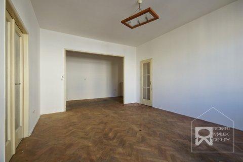 Obývací pokoj + hala