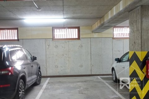 Parkovací stání k bytu