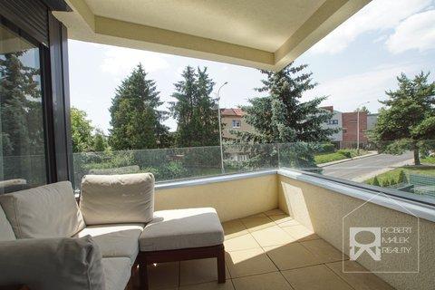 Balkon - vstup z obývacího pokoje