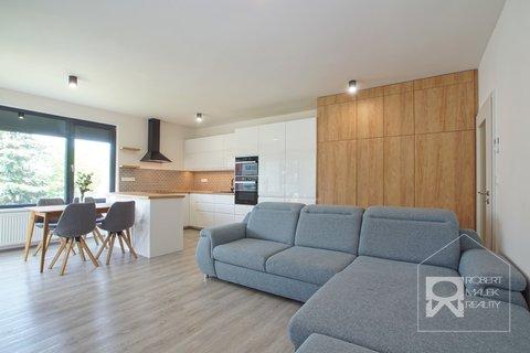Obývací pokoj s kuchyňským pokojem 2