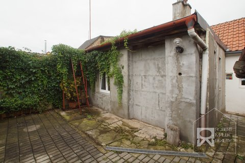 Pohled na dům - zadní část
