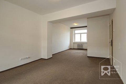 Obývací pokoj + možnost vybudování ještě ložnice